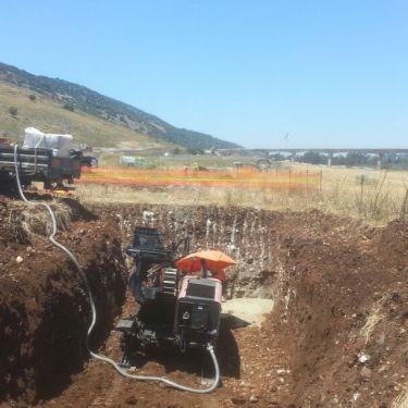 קידוח בסלע באורך 150 מטר בצומת התשבי לחברות התקשורת בזק, פרטנר, סלקום והוט